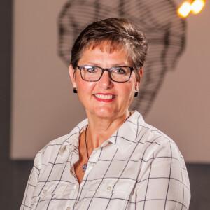 Betsy Lowe